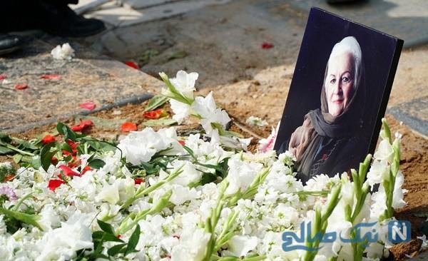 مراسم خاکسپاری ملکه رنجبر