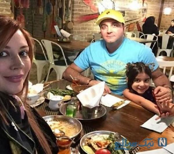 سینا سرلک به همراه همسرش در رستوران