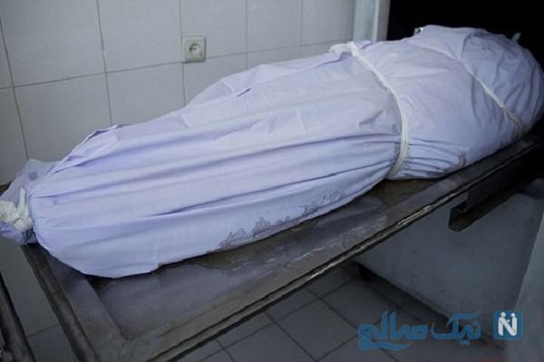 تصاویر تکان دهنده از دختری که در آرامستان قم مردگان کرونایی را غسل می دهد