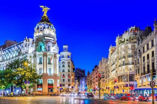 معروف ترین مرکز خرید مادرید به سردخانه اجساد تبدیل شد!