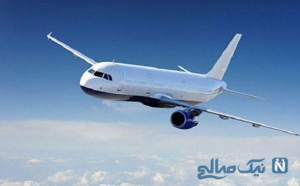 """خلبان هواپیمایی که با خلاقیت در آسمان نوشت """"در خانه بمانید"""""""