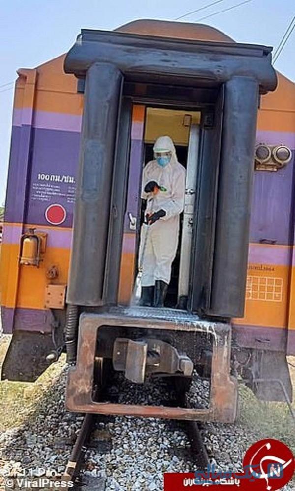 مسافر در قطار