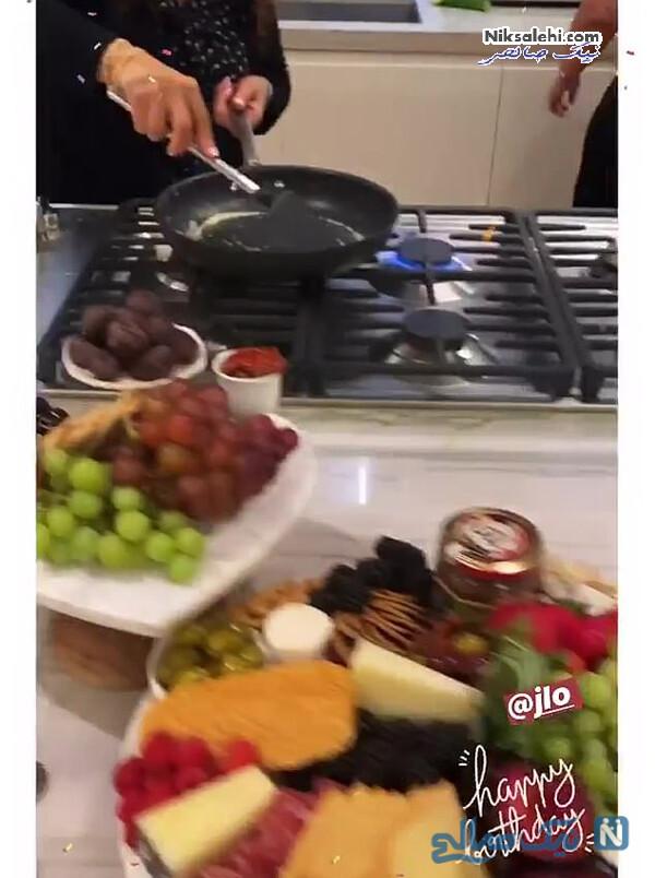 آشپزی در خانه لوپز در روز تولدش