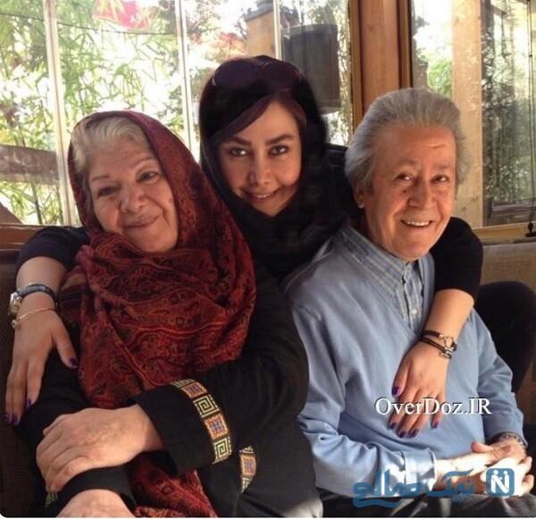 آنا نعمتی درکنار پدر و مادرش