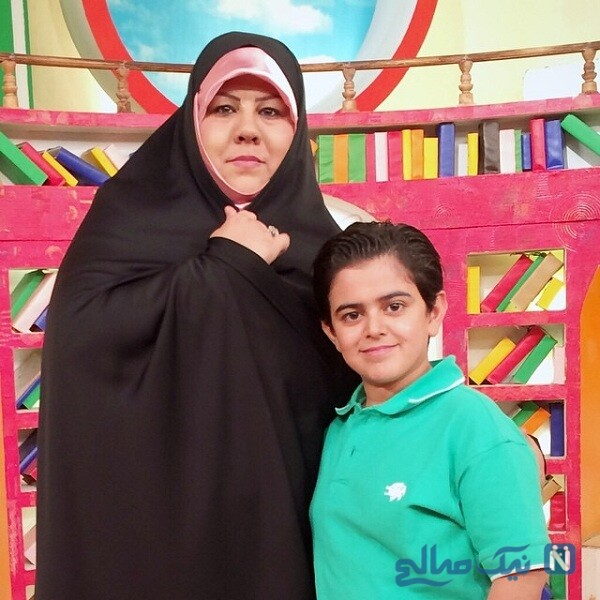 مجری جوان و مادرش