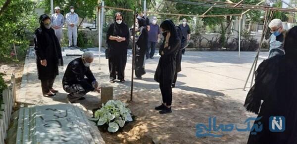 مراسم تدفین شاعر معروف