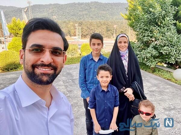 گردش وزیر ارتباطات همراه همسر و پسرانش
