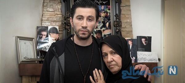 تصویری از محمد محبیان و مادرش