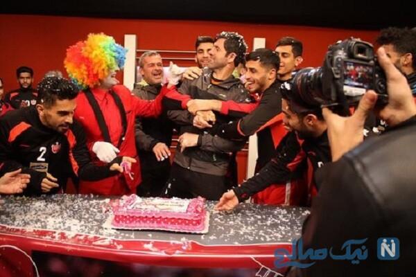 تصویری از جشن تولد کریم باقری