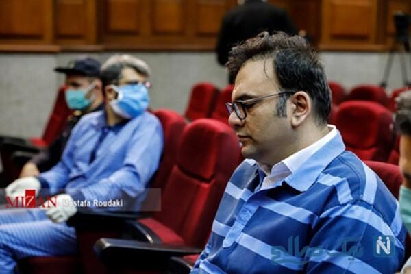 محمد امامی در دادگاه با لباس زندان
