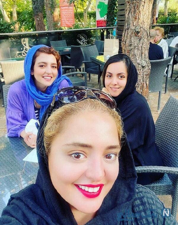 سلفی شاد نرگس محمدی با خواهر و دوستش