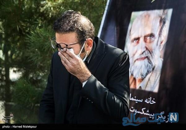 خاکسپاری کریم اکبری