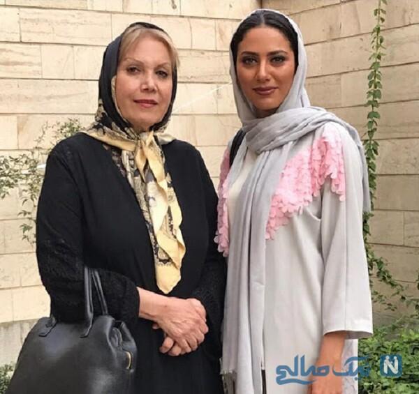 تصویری از مونا فرجاد و مادرش