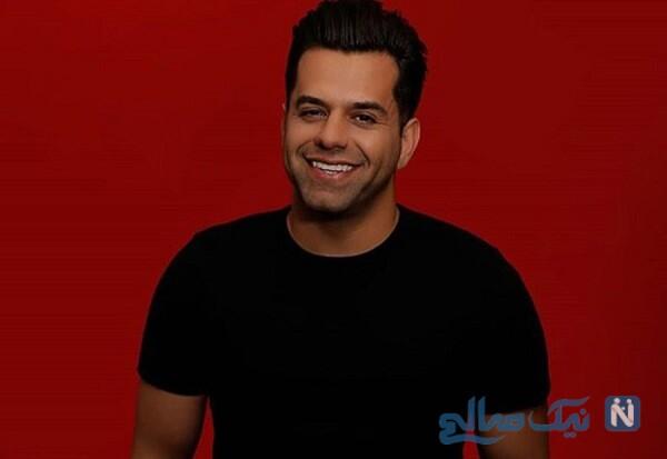 رضا بهرام خواننده معروف با لباس ورزشی و موهای بلند در باشگاه