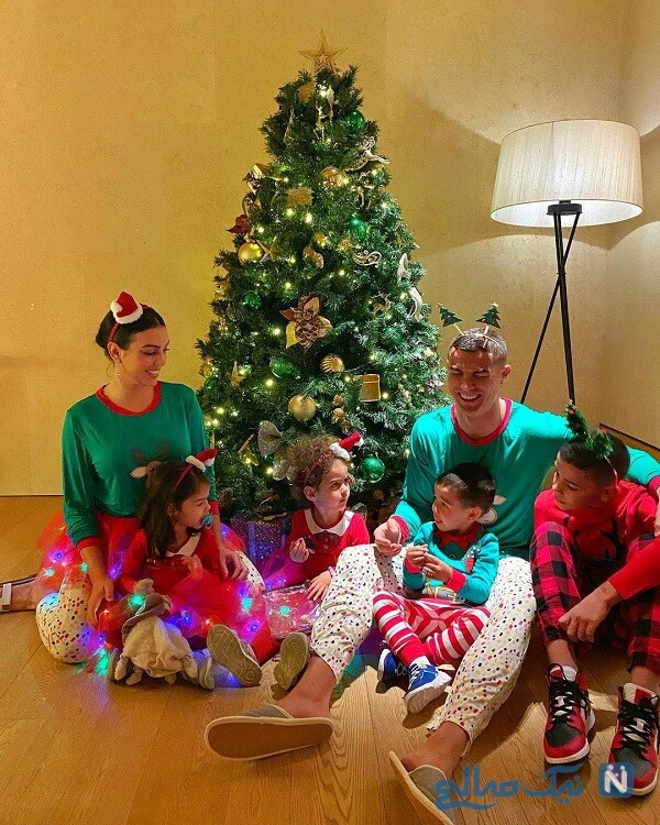 جشن کریسمس رونالدو و خانواده اش