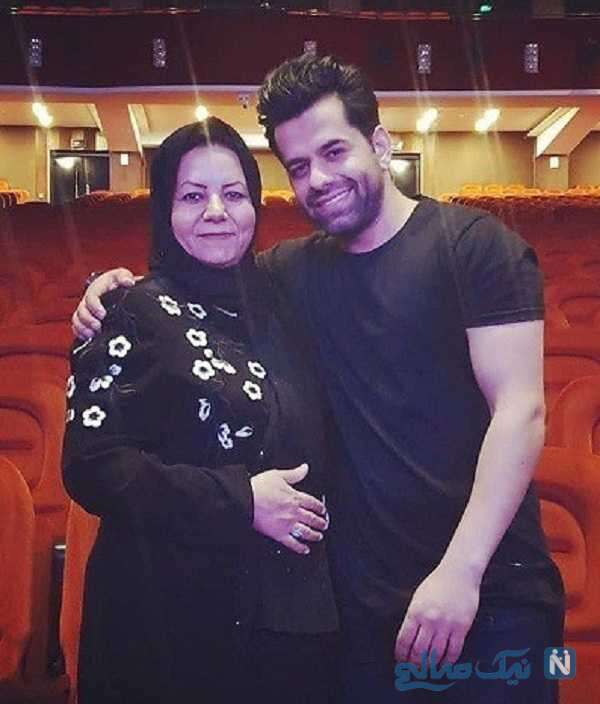 تصویری از رضا بهرام با مادرش