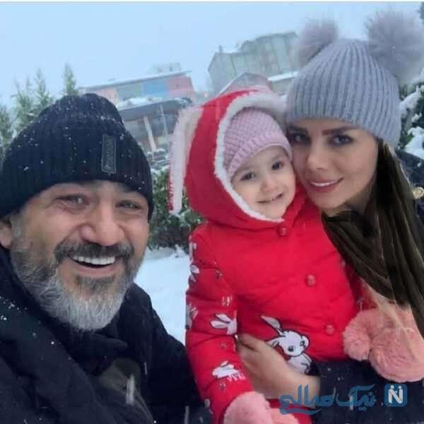 مهران غفوریان به همراه خانواده اش در یک روز برفی