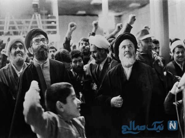 حضور رهبر در راهپیمایی ۲۲ بهمن دهه شصت
