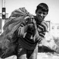ویدیویی از کودک کار ۱۴ ساله ماهشهری که به خاطر فقر خودکشی کرد