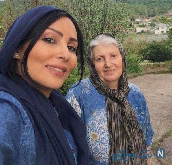 تصویری جالب از پرستو صالحی و مادرش