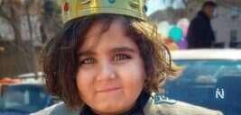 آرش دهقان بازیگر ملکه گدایان در کنار پدر و برادرش