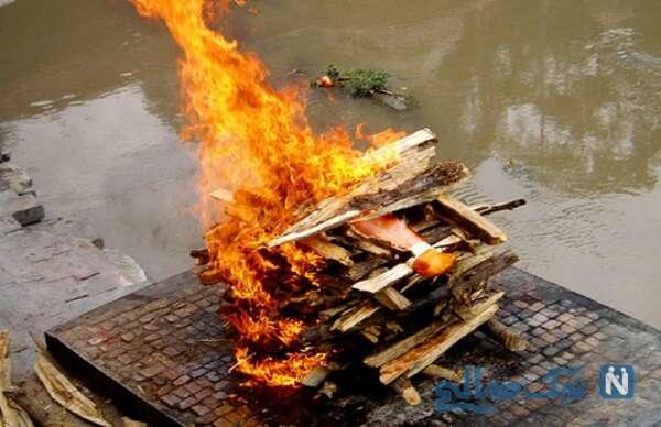 سوزاندن جسد قربانیان کرونایی بصورت دسته جمعی در هند