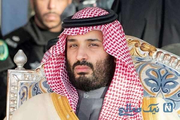 حرکات عجیب بن سلمان ولیعهد عربستان در مصاحبه زنده تلویزیونی