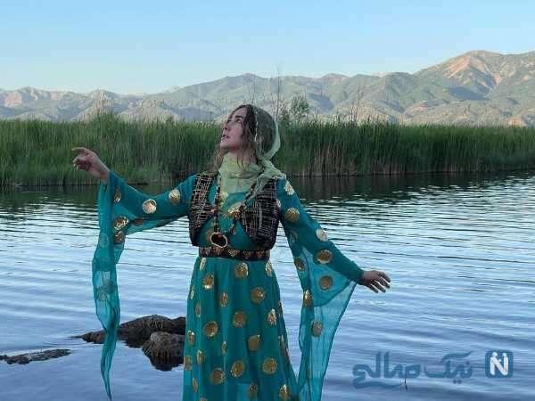 آنا نعمتی با لباس کردی