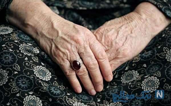 مادربزرگی که از فاطمه نوه ۱۵ ساله معلولش نگهداری میکند