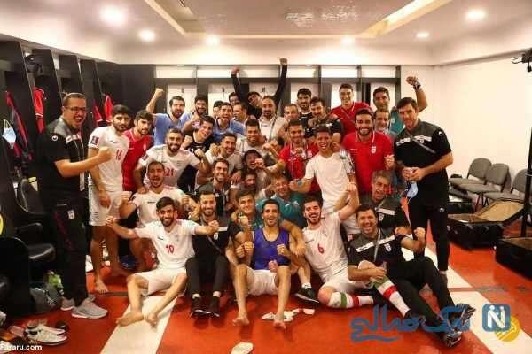 جشن پیروزی بازیکنان تیم ملی در رختکن