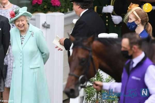 الیزابت دوم در مسابقه اسب دوانی