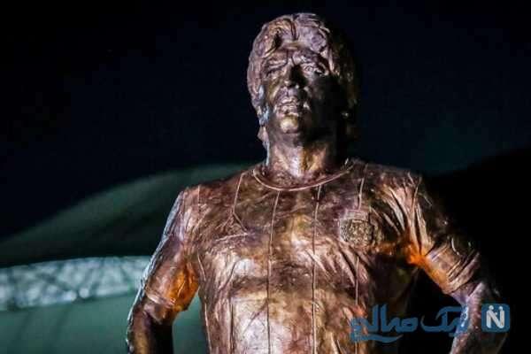 رونمایی از مجسمه مارادونا