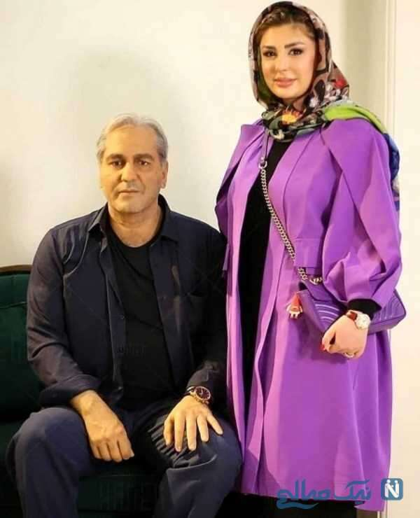 نیوشا ضیغمی کنار مجسمه مهران مدیری