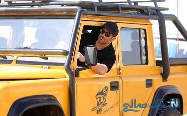 محمدرضا گلزار در خودرو لاکچری اش