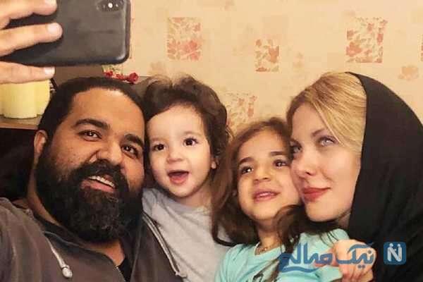 سلفی رضا صادقی با خانواده اش