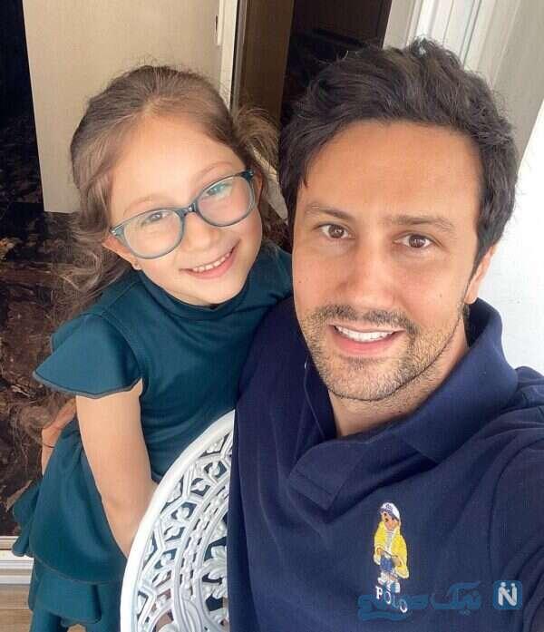 شاهرخ استخری کنار دخترش