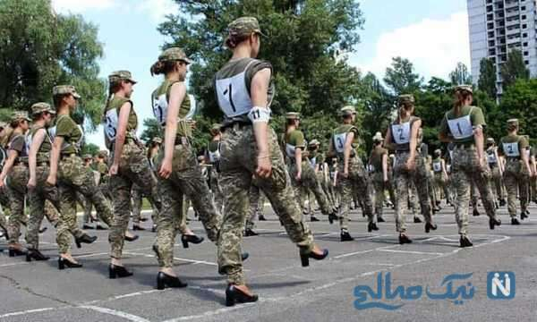 رژه زنان سرباز