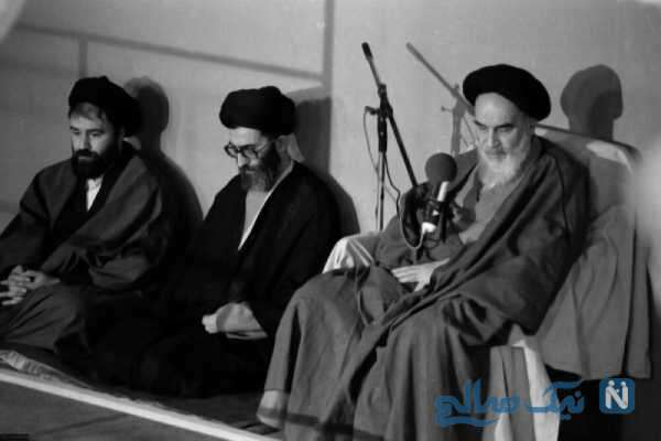 رهبر انقلاب کنار امام راحل