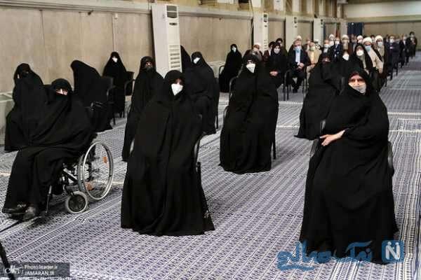 مراسم تنفیذ رئیسی با حضور دختران امام راحل