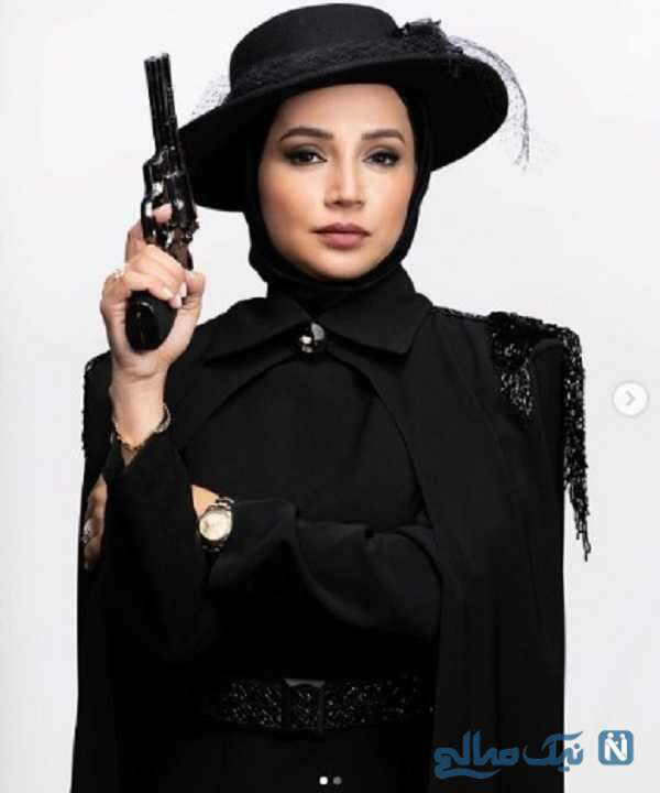 بازیگر معروف تفنگ به دست