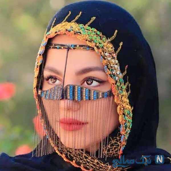 محیا اسناوندی با نقاب زنان بلوچی
