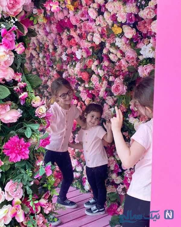 دختران شاهرخ استخری در باغ پر از گل