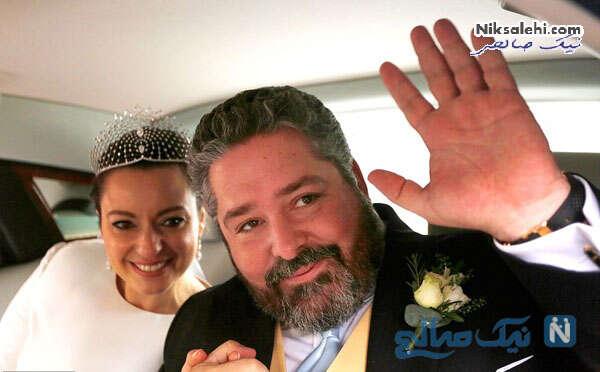 عروس و داماد سلطنتی در اتومبیل