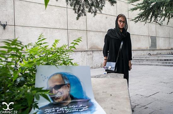 ناراحتی و اشک های مهناز افشار در مراسم ترحیم عباس کیارستمی + تصاویر