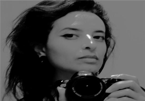 """تصاویر ایده جالب یک هنرمند بی حجاب در اعتراض به """"رفتار تعصب آمیز دولت فرانسه نسبت به زنان با حجاب"""""""