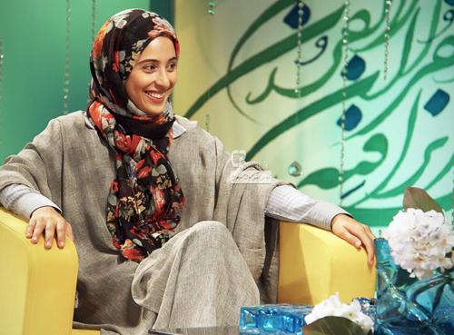 عکس های زیبا از آناهیتا افشار و گلاره عباسی بازیگران سریال مدینه در شهر باران