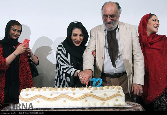 جشن تولد ۷۳ سالگی داریوش ارجمند با حضور همسر و فرزندانش + تصاویر