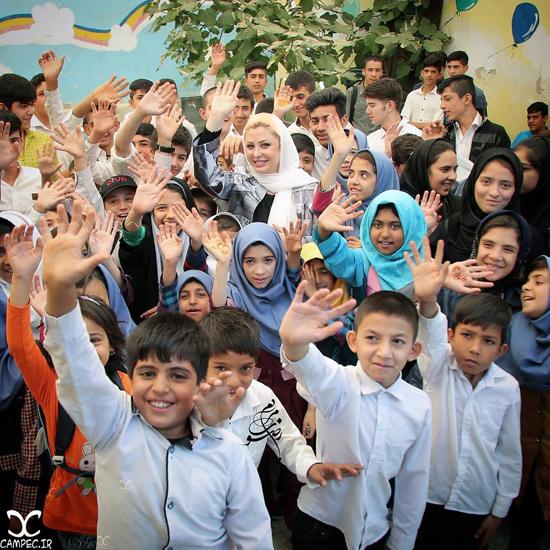 عکس های زیبای نیوشا ضیغمی در اولین روز بازگشایی مدارس