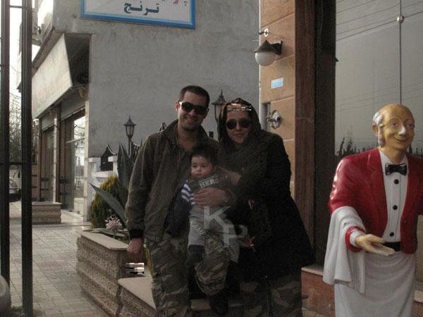 عکس : شهاب حسینی و همسرش به همراه دومین فرزند شان
