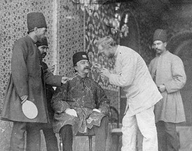 دندانپزشک مخصوص ناصرالدین شاه در زمان قاجار که بود؟!+عکس